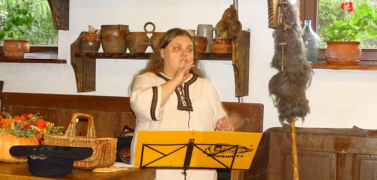 Barbara Bator - Muzyk